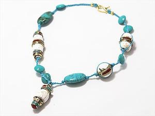 Ожерелье с бусинами и кулоном из раковин гигантских моллюсков | Ярмарка Мастеров - ручная работа, handmade