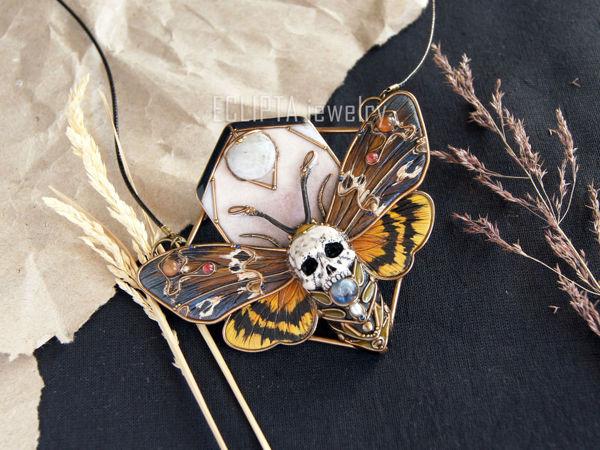 ВИДЕО. Кулон Acherontia мотылек бражник из полимерной глины | Ярмарка Мастеров - ручная работа, handmade
