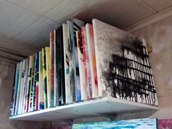 Affordable Ideas to Store Paintings | Livemaster - handmade