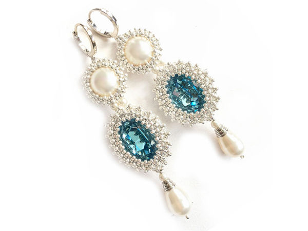 Creating Long Earrings from Beads and Swarovski Crystals | Livemaster - handmade