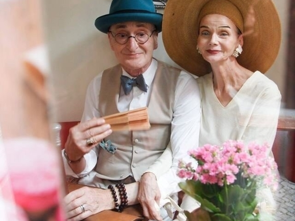 Story Of How Berlin Retirees Gunther And Britt Live To The Fullest & Enjoy Life! | Livemaster - handmade