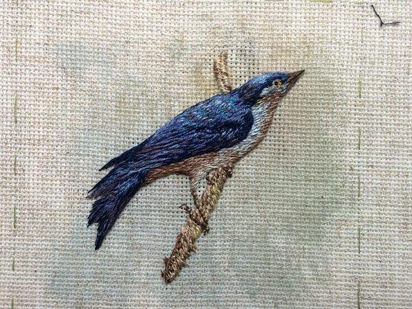 Вышивка лесной птички в объемной технике | Ярмарка Мастеров - ручная работа, handmade