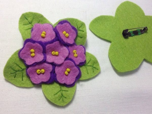 Getting Ready for Spring: A DIY Project on Creating a Felted Violet Brooch | Livemaster - handmade