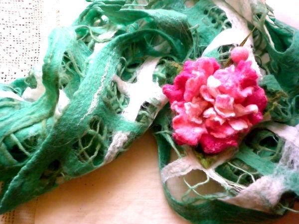 Шарф-палантин валяный из шерсти Аромат розового пиона.   Ярмарка Мастеров - ручная работа, handmade