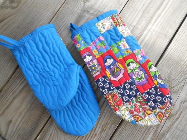 Подарки к праздникам -лоскутные рукавички и прихватки для горячего    Ярмарка Мастеров - ручная работа, handmade
