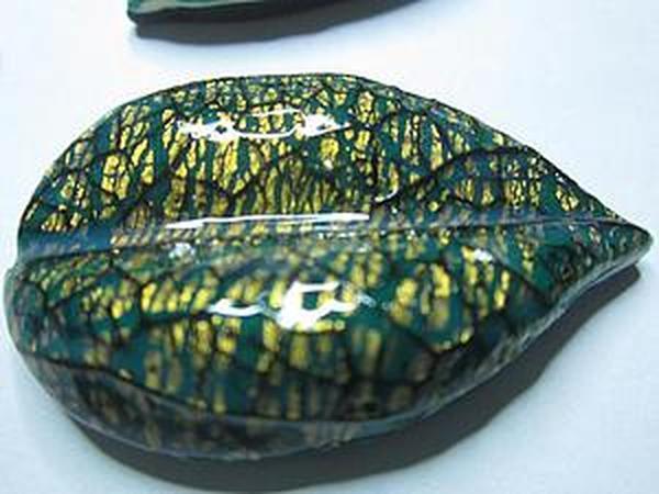 Создание оригинальных полых бусин-листьев из полимерной глины | Ярмарка Мастеров - ручная работа, handmade
