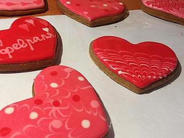 Расписываем пряники-сердечки на День святого Валентина | Ярмарка Мастеров - ручная работа, handmade
