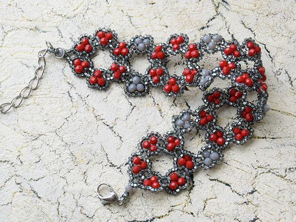 Плетём браслет из бисера и бусин «Цветы» | Ярмарка Мастеров - ручная работа, handmade