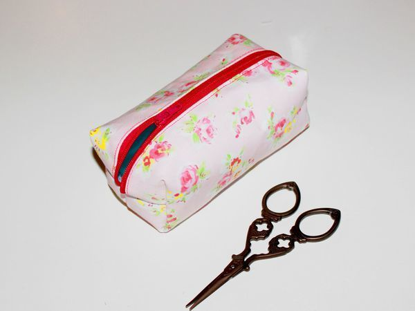 Sewing a Cute DIY Vanity-bag | Livemaster - handmade