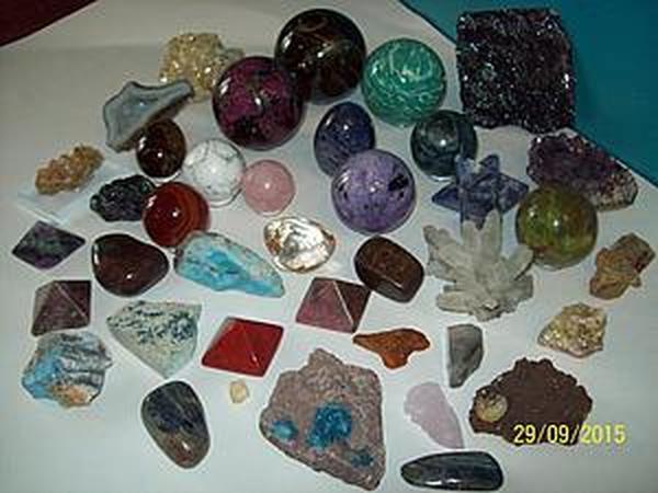 Камни на столе для работы | Журнал Ярмарки Мастеров