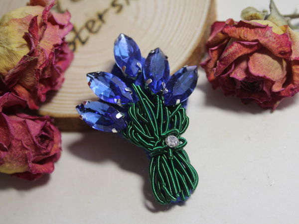 Embroidering Bouquet Brooch from Rhinestones and Cannetille | Livemaster - handmade