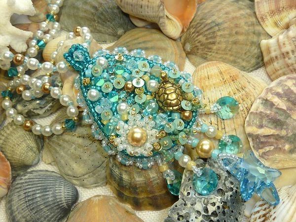 Кулон из бисера и кристаллов Сваровски «Морская стихия» | Ярмарка Мастеров - ручная работа, handmade