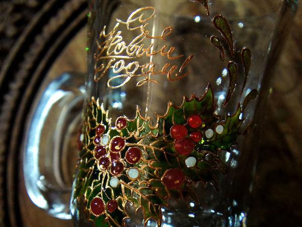 Расписываем красками по стеклу новогодние бокалы для согревающего напитка   Ярмарка Мастеров - ручная работа, handmade