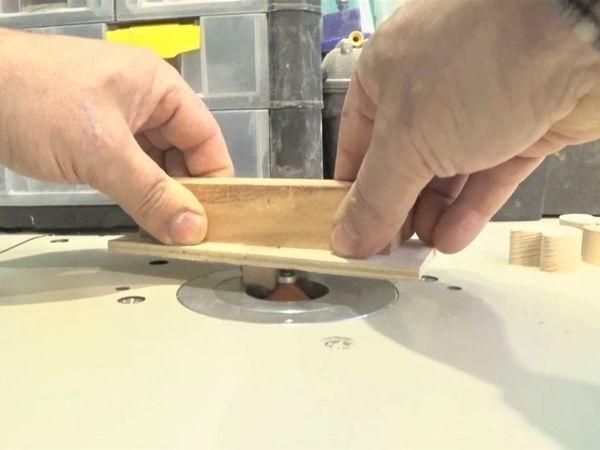 Фрезеруем кромки маленькой детали с помощью простого приспособления | Ярмарка Мастеров - ручная работа, handmade