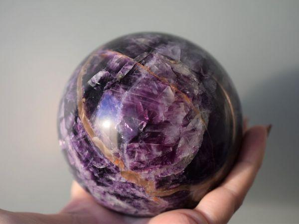 Флюоритовый шар на подставке | Ярмарка Мастеров - ручная работа, handmade