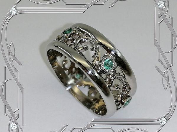 Кольцо «Обручальные кольца-ЭКСКЛЮЗИВ» серебро 925, изумруды, родий | Ярмарка Мастеров - ручная работа, handmade