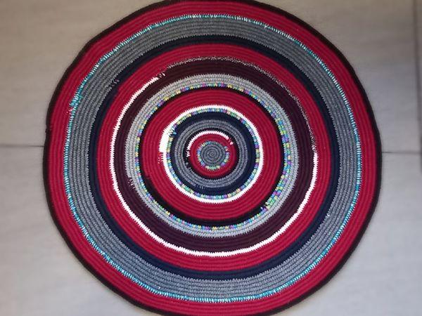 Вяжем яркий коврик из остатков пряжи и бельевого шнура | Ярмарка Мастеров - ручная работа, handmade