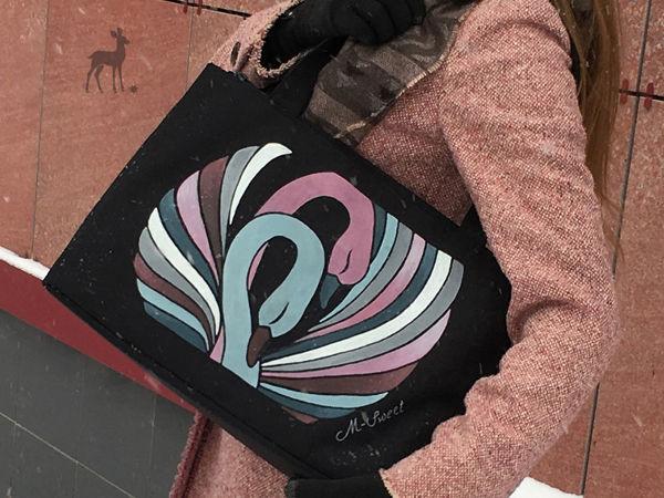 Романтичные лебеди на плече хозяйки | Ярмарка Мастеров - ручная работа, handmade