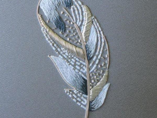 Подборка перьев, вышитых в люневильской технике   Ярмарка Мастеров - ручная работа, handmade