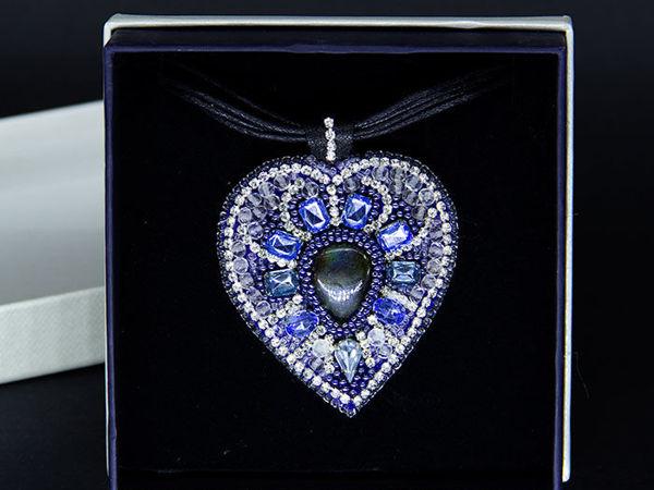 Видеоурок: кулон из бисера и кристаллов Холодное сердце | Ярмарка Мастеров - ручная работа, handmade
