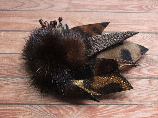 Делаем небольшую брошь из кожи с использованием меха | Ярмарка Мастеров - ручная работа, handmade