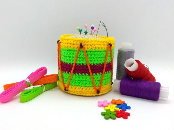 Crocheting ''Drum'' Pin Cushion | Livemaster - handmade