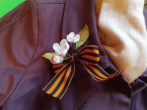 Как завязать георгиевскую ленточку с цветами яблони | Ярмарка Мастеров - ручная работа, handmade