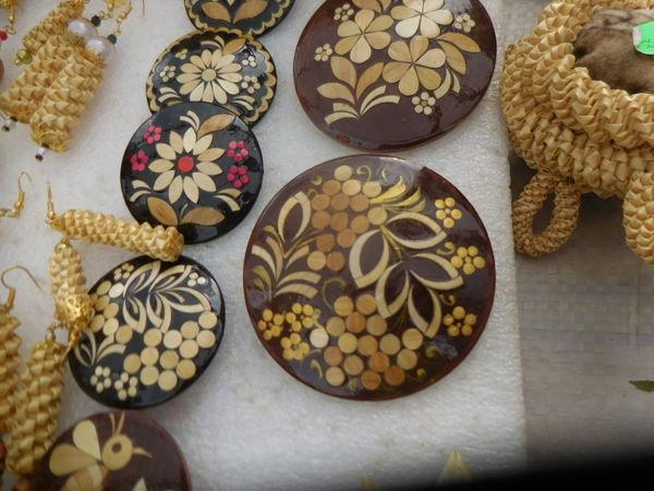 Круглые инкрустированные брошки в ассортименте | Ярмарка Мастеров - ручная работа, handmade