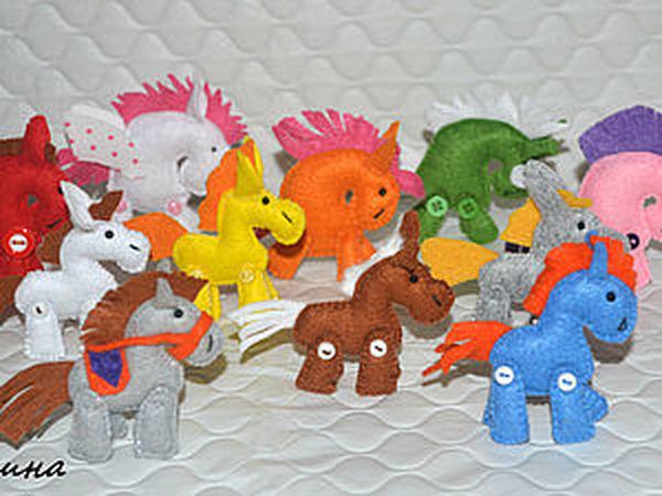 Маленькие лошадки из фетра к Новому году. | Ярмарка Мастеров - ручная работа, handmade