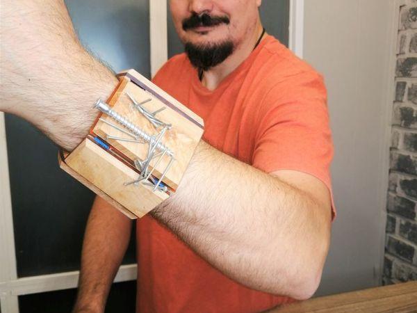 Делаем магнитный браслет для гвоздей. Со вставками оргстекла и декоративной подсветкой | Ярмарка Мастеров - ручная работа, handmade