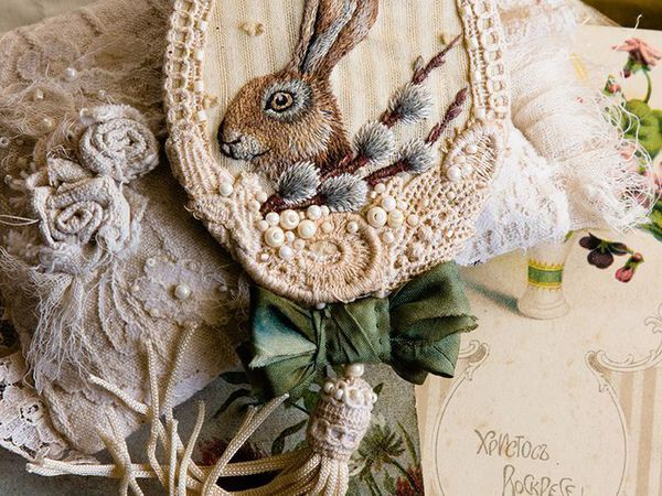 Embroidered Brooch with Easter Bunny | Livemaster - handmade