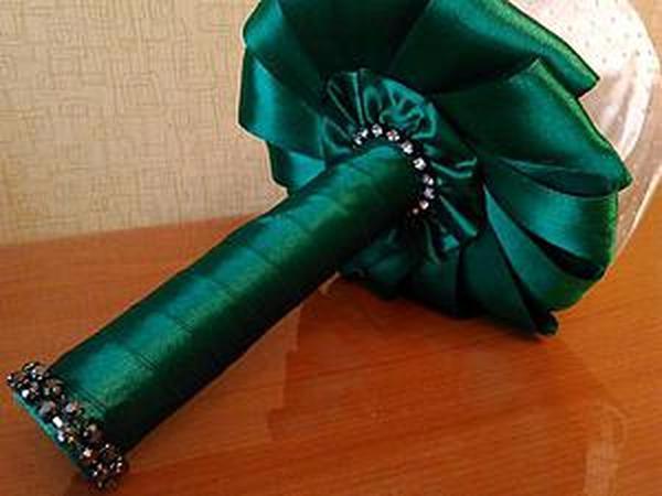 Как сделать юбочку из атласных лент для брошь-букета | Ярмарка Мастеров - ручная работа, handmade
