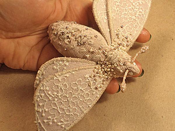 Текстильная брошь-мотылек | Ярмарка Мастеров - ручная работа, handmade